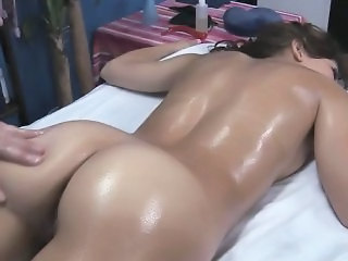 Massage Ass Oiled