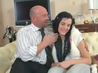 Awesome lesson in Imbecilic seduction