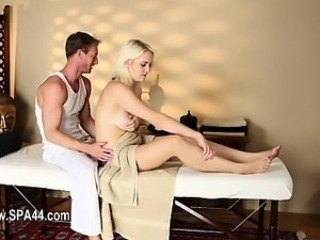 Massage Blonde MILF
