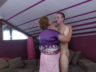 Chubby Kissing Mature