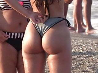 Sexy Latina Teen with Fat Ass in Bikini