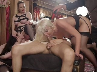 Blowjob Groupsex Lingerie