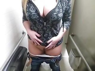 Cute Pawg Masturbating In Public Bathroom