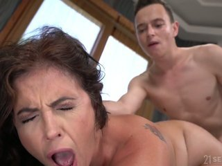 Mom Orgasm Mature