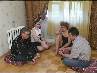 Russian Strip Poker-swinger Coup...