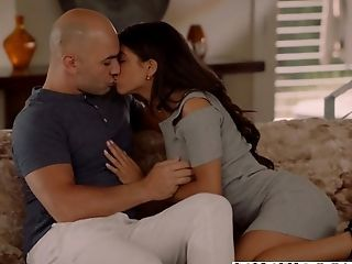 Vixen Latina Veronica Rodriguez Seduced By Stepfather