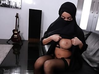 Amazing Arab Big Tits