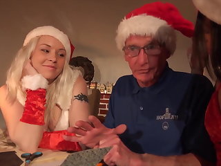 Xmas special hardcore fuck for grandpa from 2 young girls